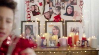 Google Pixel 2 TV Spot, 'Love Your Way' Feat. Ilana Glazer, Abbi Jacobson - Thumbnail 2