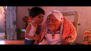 Coco Home Entertainment TV Spot [Spanish] - Thumbnail 9