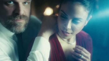 Tide TV Spot, 'It's a Valentine's Day Tide Ad' Featuring David Harbour - Thumbnail 8