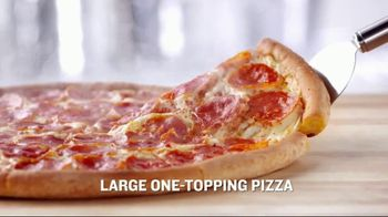 Papa John's Meal Deal TV Spot, 'Large Pizza + Breadside + 2-Liter' - Thumbnail 2
