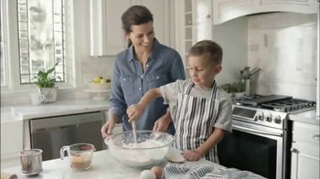 Pyrex TV Spot, 'Berry Pie' - 57 commercial airings