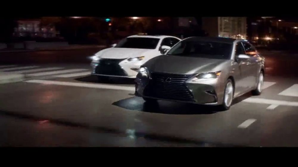 Lexus Special Presidents' Day Offer TV Commercial, '2018 ES: Safety' [T2]