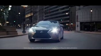 Lexus Special Presidents' Day Offer TV Spot, '2018 ES: Safety' [T2] - Thumbnail 1