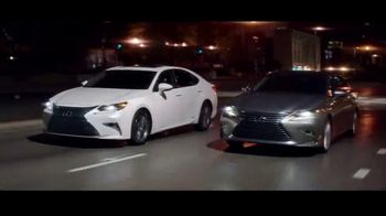Lexus Special Presidents' Day Offer TV Spot, '2018 ES: Safety' [T2] - Thumbnail 6