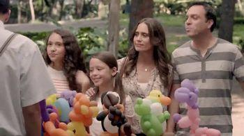T-Mobile TV Spot, 'Panda y unicornio' [Spanish] - Thumbnail 1