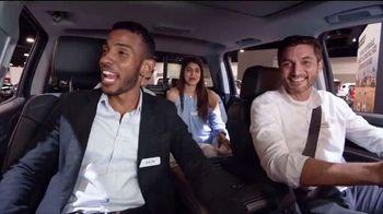 2018 Chevrolet Silverado 1500 TV Spot, 'El auto show' [Spanish] [T2] - Thumbnail 6