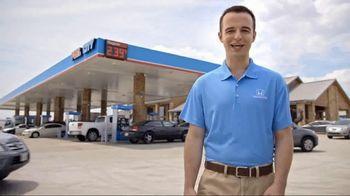 2018 Honda HR-V LX TV Spot, 'Random Acts of Helpfulness: Free Gas' [T2] - Thumbnail 1