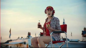 Coca-Cola TV Spot, 'Race Day Feud' - Thumbnail 5