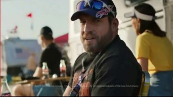 Coca-Cola TV Spot, 'Race Day Feud' - Thumbnail 9