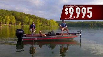 Bass Pro Shops 2018 Spring Fishing Classic TV Spot, 'Boats and Gift Cards' - Thumbnail 5