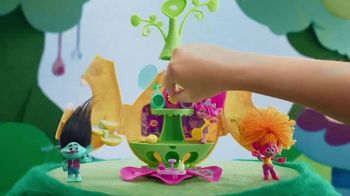 Dreamworks Trolls Camp Critter Playset TV Spot, 'The Party is Non-Stop' - Thumbnail 4