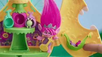 Dreamworks Trolls Camp Critter Playset TV Spot, 'The Party is Non-Stop' - Thumbnail 5