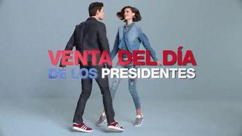 Macy's Venta del Día de los Presidentes TV Spot, 'Abrigos' [Spanish] - Thumbnail 1