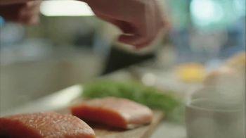Blue Apron Wild Alaskan Salmon TV Spot, 'From Ocean to Counter' - Thumbnail 5