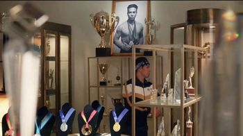 Hershey's Gold TV Spot, 'Trophy Case' Featuring Apolo Ohno - Thumbnail 4