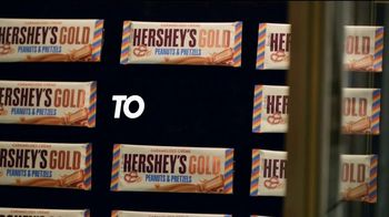 Hershey's Gold TV Spot, 'Trophy Case' Featuring Apolo Ohno - Thumbnail 7