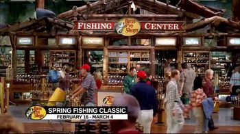 Bass Pro Shops 2018 Spring Fishing Classic TV Spot, 'Boxes and Vests' - Thumbnail 5