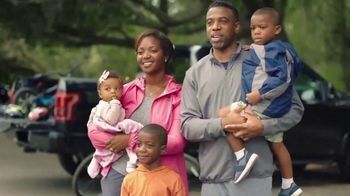 USAA TV Spot, 'The Hayles Family: Members for Life - Thumbnail 9