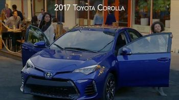 2017 Toyota Corolla TV Spot, 'Live With Inspiration' - Thumbnail 4