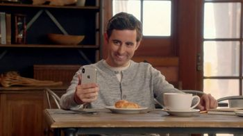 T-Mobile TV Spot, 'La magia del iPhone X' canción de Lumidee [Spanish] - 256 commercial airings