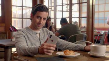 T-Mobile TV Spot, 'La magia del iPhone X' canción de Lumidee [Spanish] - Thumbnail 1