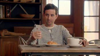 T-Mobile TV Spot, 'La magia del iPhone X' canción de Lumidee [Spanish] - Thumbnail 6