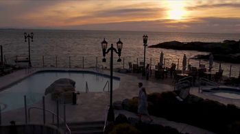 Clipper Vacations TV Spot, 'Seattle to Victoria, BC Holiday Getaway' - Thumbnail 7