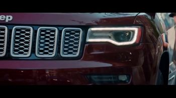 2018 Jeep Grand Cherokee TV Spot, 'The Art of It' [T1] - Thumbnail 4