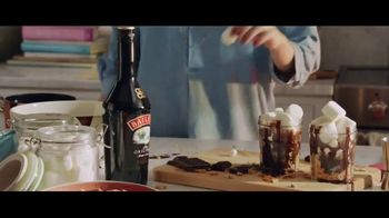 Baileys Irish Cream TV Spot, 'S'mores Indoors' - Thumbnail 3