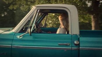 Chevrolet TV Spot, '2017 CMA Awards: Life Moments With Luke Bryan' [T1] - Thumbnail 3