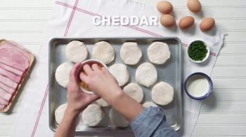 Pillsbury Crescents TV Spot, 'Food Network: Egg-in-a-Hole Biscuits' - Thumbnail 4