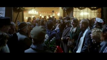 Stella Artois TV Spot, 'Holidays: Naming' - Thumbnail 8
