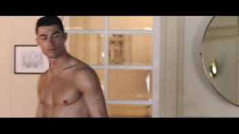 Optimum TV Spot, 'Locked Out of Hotel Room' Featuring Cristiano Ronaldo - Thumbnail 2