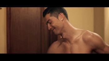 Optimum TV Spot, 'Locked Out of Hotel Room' Featuring Cristiano Ronaldo - Thumbnail 5