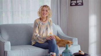 Blue Buffalo Cat Food TV Spot, 'BLUE vs. Purina Friskies' - Thumbnail 1
