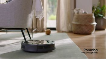 iRobot Roomba 980 Vacuuming Robot TV Spot, 'A Day in the Life' - Thumbnail 3