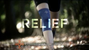 Tommie Copper Shoulder Centric Support Shirt TV Spot, 'Feel Better' - Thumbnail 4