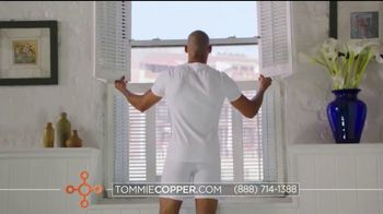 Tommie Copper Shoulder Centric Support Shirt TV Spot, 'Feel Better' - Thumbnail 6