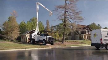 Ford Commercial Vehicle Season TV Spot, 'Don't Sweat It' [T2] - Thumbnail 7
