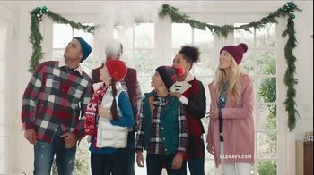Old Navy TV Spot, 'Rocking in an Old Navy Winter Wonderland' Song by 7kingZ - Thumbnail 4