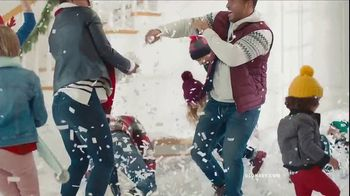 Old Navy TV Spot, 'Rocking in an Old Navy Winter Wonderland' Song by 7kingZ - Thumbnail 5