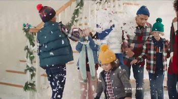 Old Navy TV Spot, 'Rocking in an Old Navy Winter Wonderland' Song by 7kingZ - Thumbnail 7