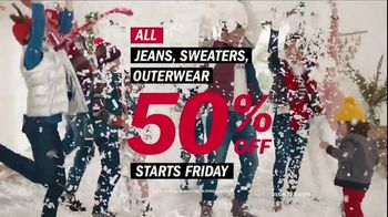 Old Navy TV Spot, 'Rocking in an Old Navy Winter Wonderland' Song by 7kingZ - Thumbnail 9