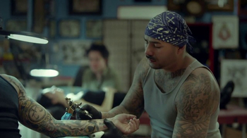 Staples HP Savings Month TV Spot, 'Tattoo Parlor: Ink' - Thumbnail 6