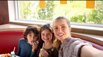 McDonald's Happy Meal TV Spot, 'Traviesos amigos azules' [Spanish] - Thumbnail 1