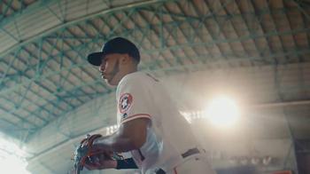 MLB.com At Bat TV Spot, 'Tiempo libre' con Carlos Correa [Spanish] - Thumbnail 8