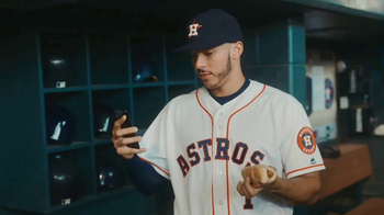 MLB.com At Bat TV Spot, 'Tiempo libre' con Carlos Correa [Spanish] - Thumbnail 3
