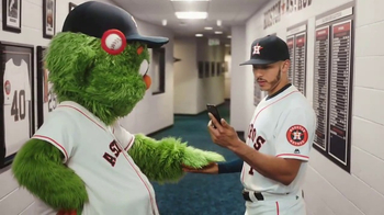 MLB.com At Bat TV Spot, 'Tiempo libre' con Carlos Correa [Spanish] - Thumbnail 5
