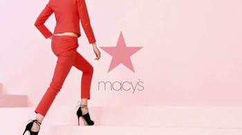 Macy's Great Shoe Sale TV Spot, 'Step Right Up' - Thumbnail 8