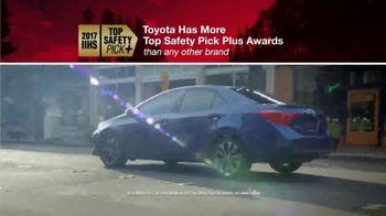 Toyota TV Spot, 'Fully Loaded' [T2] - Thumbnail 3